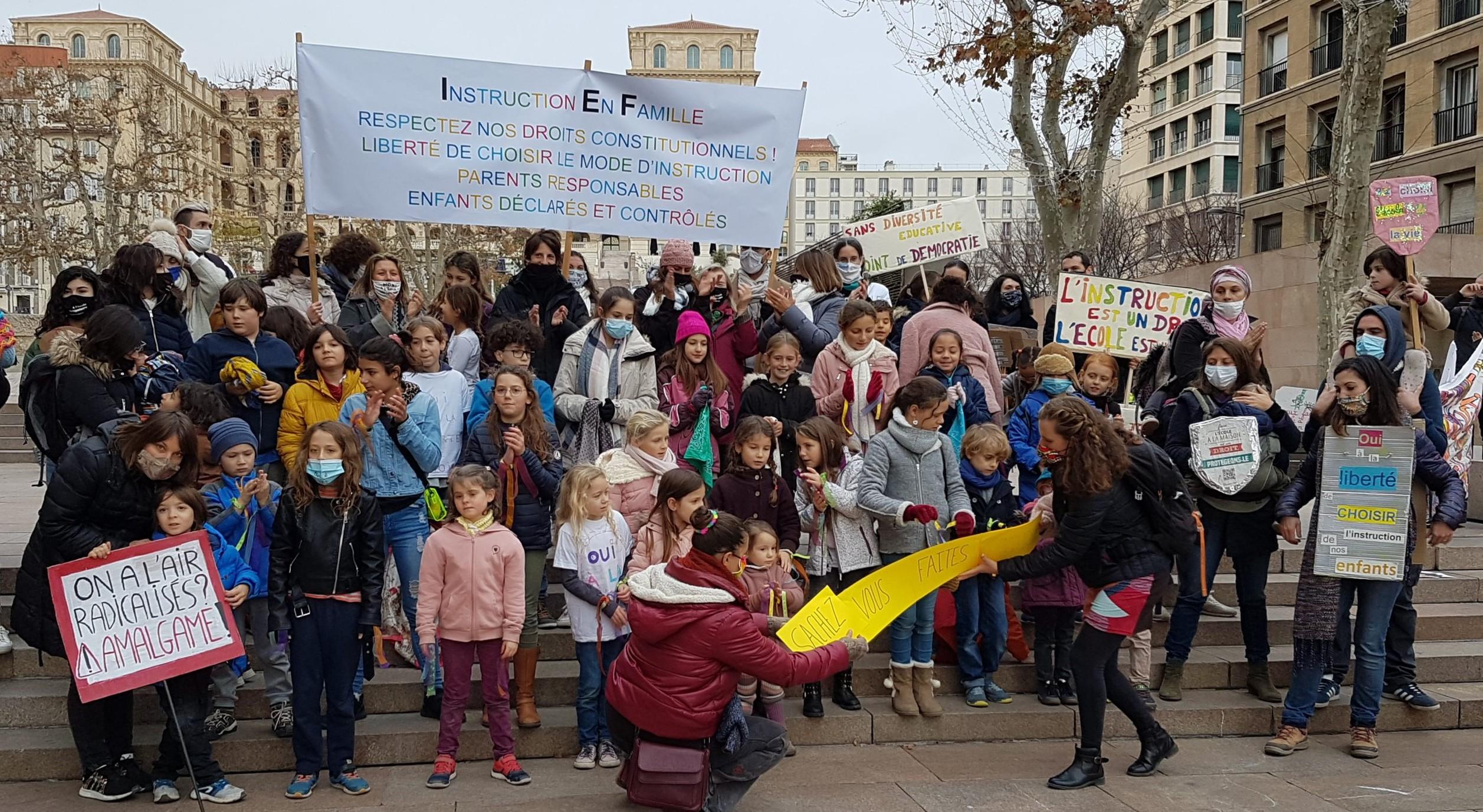 Affiche manifestation maintien IEF Marseille